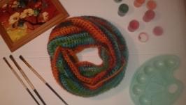 Яркий шарф - снуд.