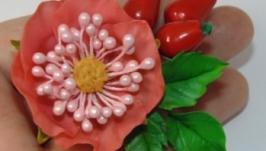 Брошка-шпилька цвіт шипшини