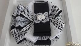 Брошь-галстук для школьницы