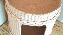 Плетеный домик с лежаком для кота