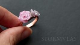 Кольцо из меди, полимерной глины и розового кварца