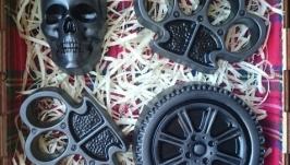 Подарок байкеру - ароматное мыло - череп, колесо и 2 кастета