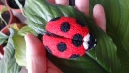 Брошка Ladybird