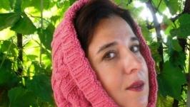 Продам новый женский капор, связанный своими руками (шарф-труба)