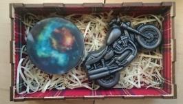 Ароматное мыло в деревянной коробке - подарок байкеру - вселенная и чоппер