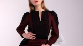 ′Леди Ред′  Платье в сдержанном английском стиле