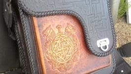 кожанная сумка с тиснением