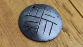 Медальйон оберіг з язичниькими символами