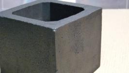 Горшок, кашпо из бетона