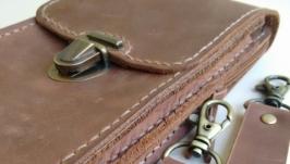 Сумка на пояс для телефона, паспорта и денег из натуральной кожи.