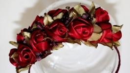 Обруч с бутонами роз