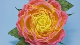 Брошка с розой из ткани