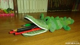 В′язаний пенал Крокодил