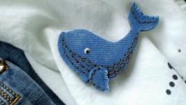 Брошь ′Charming whale′, имитация джинсы