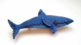 Брошь ′Shark′, имитация джинсы