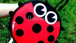 Рюкзак детский ЖучокЦвет: красный Материал: корейский фетр, американский и