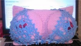 Подушка ′женская грудь′
