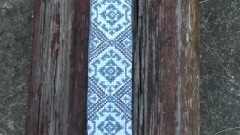 Стильна вишита хрестиком краватка