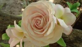 Веточка в прическу в нежных розовых тонах