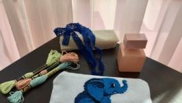 Косметичка с вышивкой слон