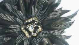 Цветок-брошь ′Серебряная луна′
