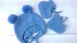 Шапочка и пинетки- носочки для новорожденных