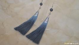 Серо-голубые серьги-кисти с черным жемчугом ′Морской бриз′