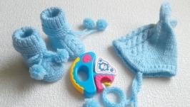 Шапочка и пинетки для новорожденного