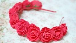 Обруч ободок венок с большими красными цветами розами