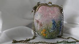 Луговые травы. Валяная мини сумочка ручной работы с вышивкой.