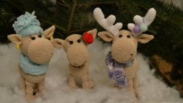 Вязаные новогодние олени