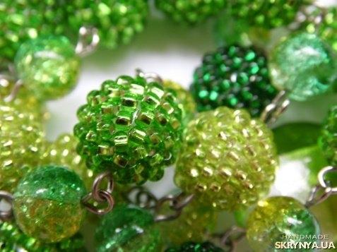 тут зображено «Зелене намисто»