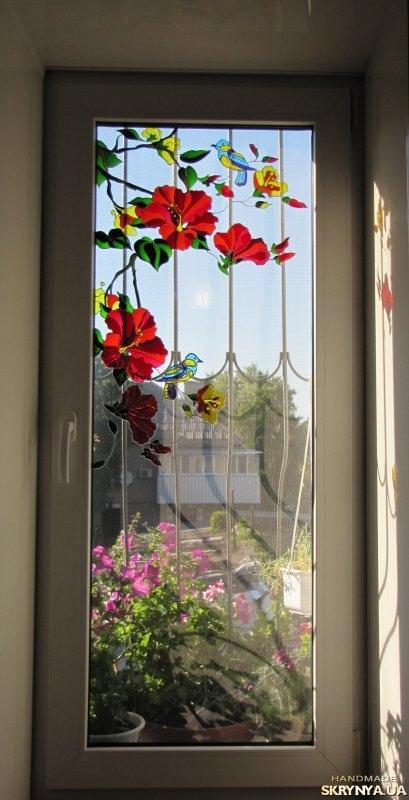 Роспись на окне красками