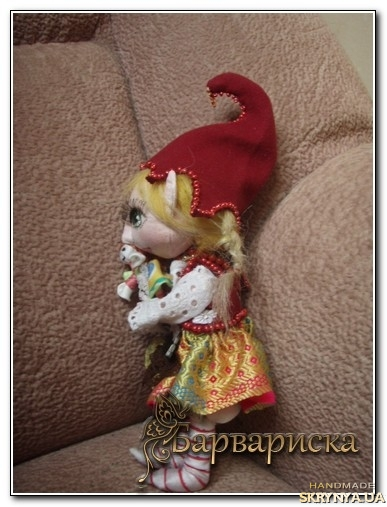 тут зображено Кукла Гномик Алечка.