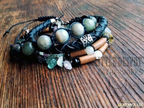 Браслеты из натуральных камней и кожи