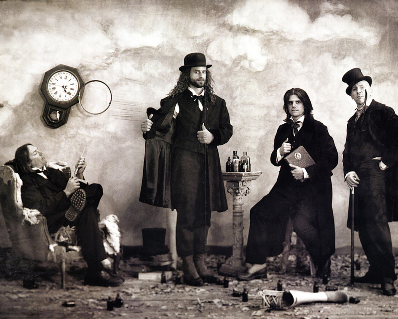 Watch Amazing Live Footage Of TOOL From California!