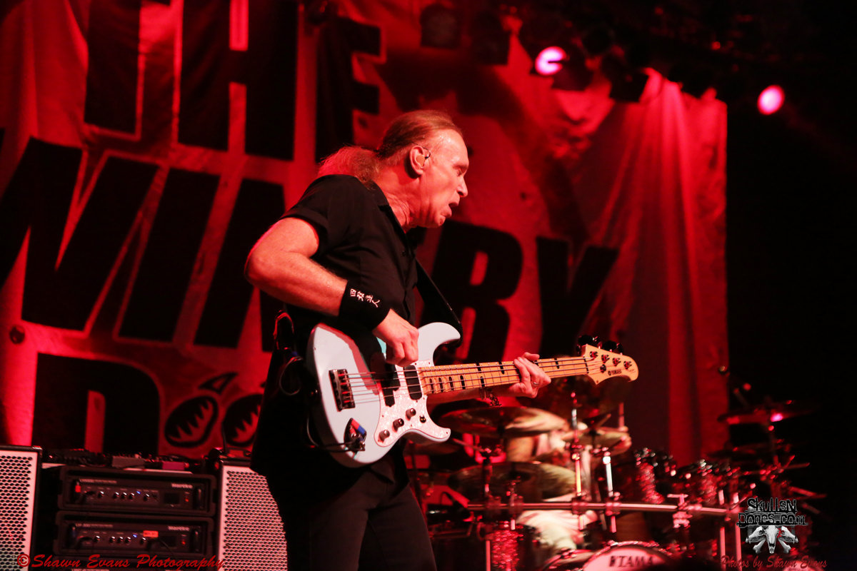 Winery Dogs 19