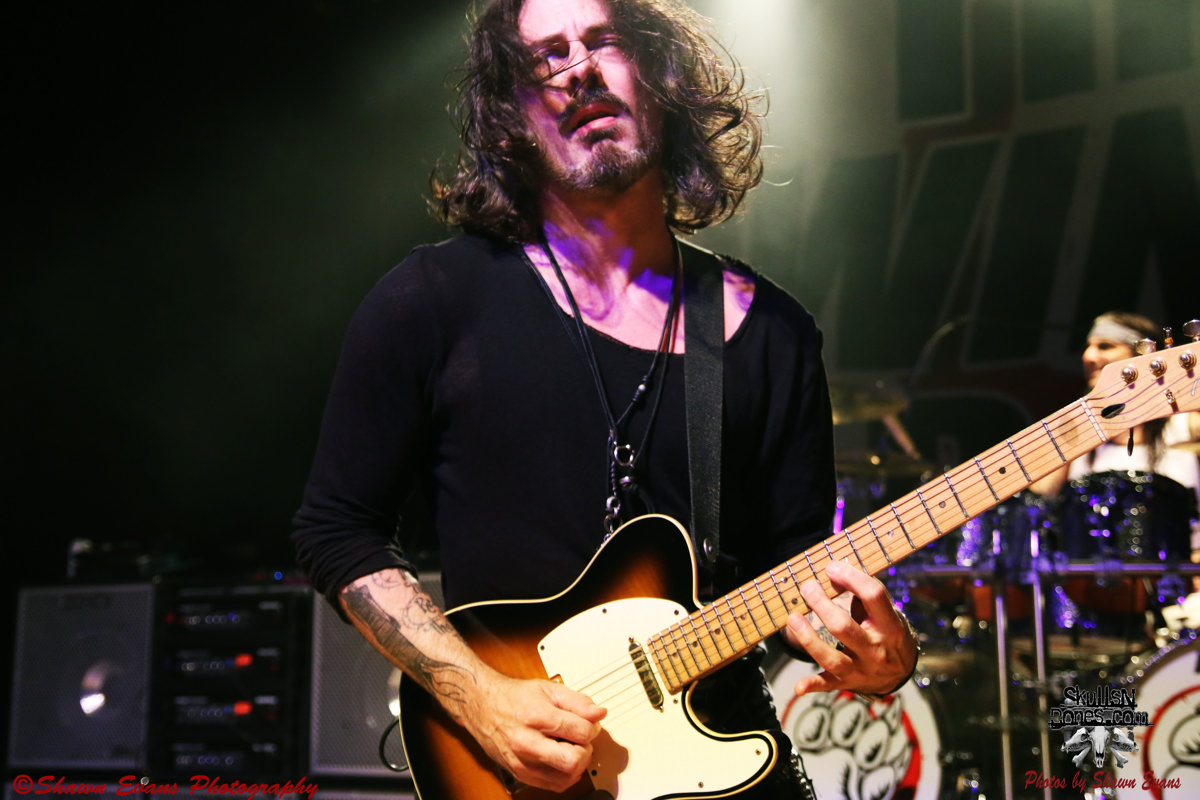Winery Dogs 29