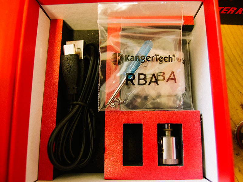kanger-subox-kit-contents