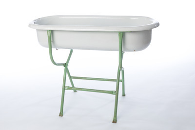 Porcelain Tub with Stand