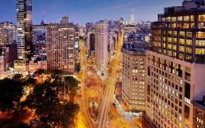 flatiron-building-traffic-night-HOTEL1016