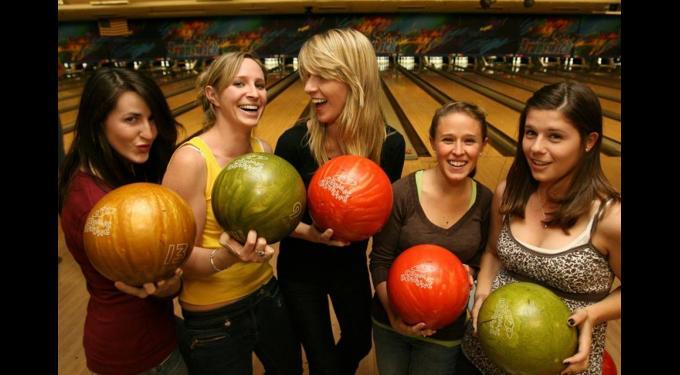 Bird Bowl Bowling Center