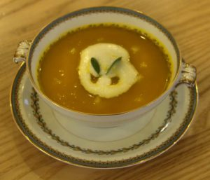 Butternut squash soup with pears & pear cream