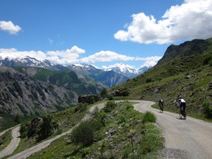 The descent down Col du Serenne. Picture courtesy of Steve Cunningham, procyclingtours.com