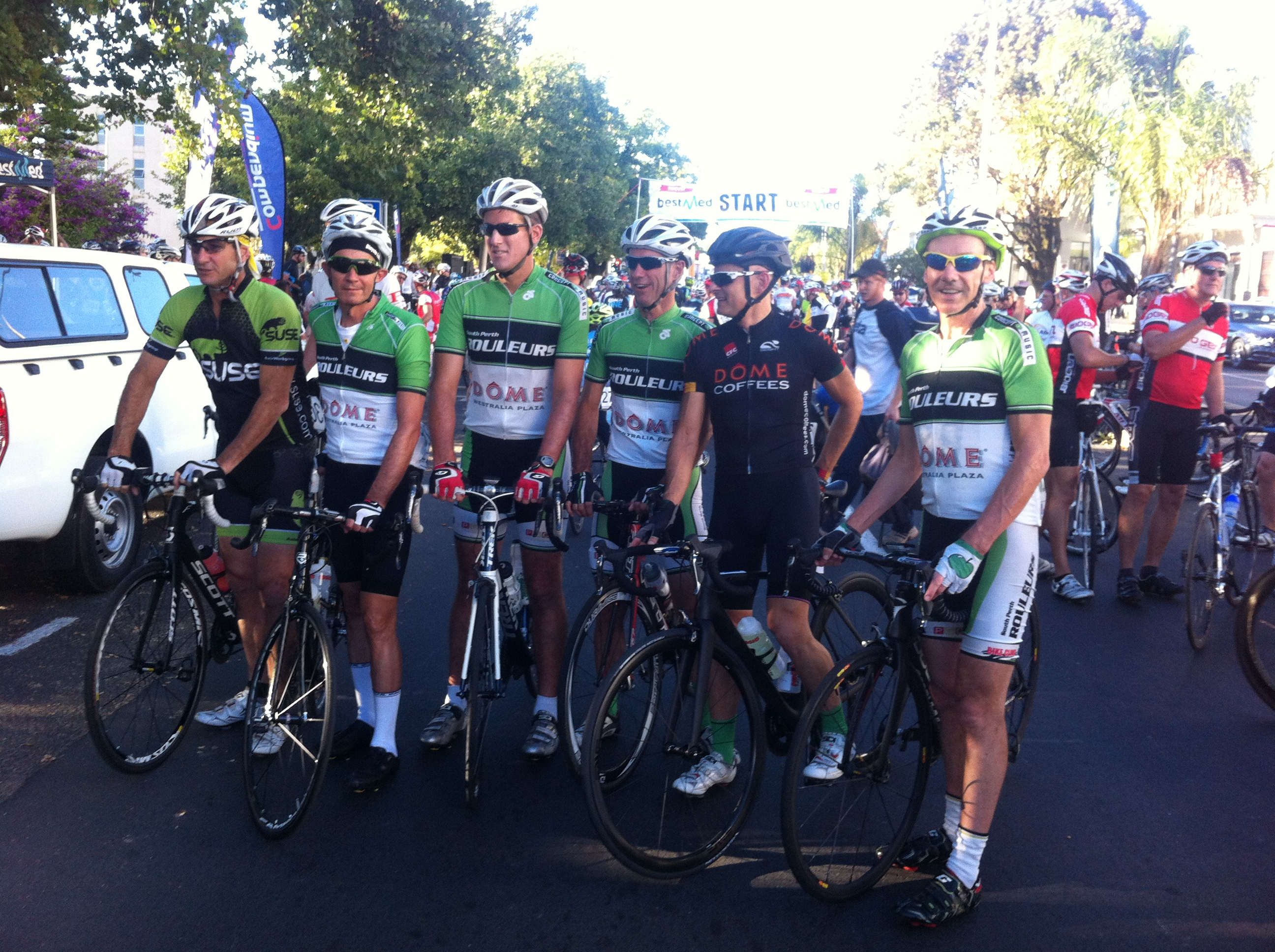 Team SPR + Bruno de Castro, starting line, D1 Tour de Boland