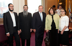 Left to Right: Ruth Shaina Benhiyoun, Mrs. Rivka Benhiyoun,The Honorable Mayor Richard M. Daley, Rabbi Meir Chai Benhiyoun, Eliyahu Benhiyoun. Picture Credits: Brooke Collins