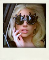 02_lady_gaga_x_custom_a_morir_claw_glasses
