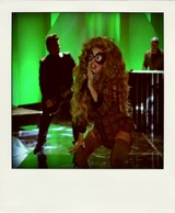 Lady_gaga_manicure_muppets_2-pola