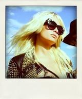 Paris_hilton_x_barlow_a-morir_eyewear-pola