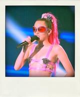 Miley_cyrus_vma_a-morir_eyewear_2-pola